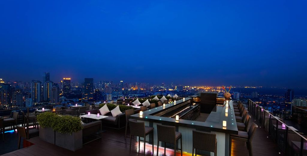 Descanse en el Hotel Anantara Sathorn en Bangkok despues de un largo día de turismo