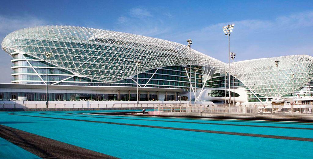 Podrás alojarte, de manera opcional, en Yas Viceroy Abu Dhabi 5*, antes de volar a Maldivas