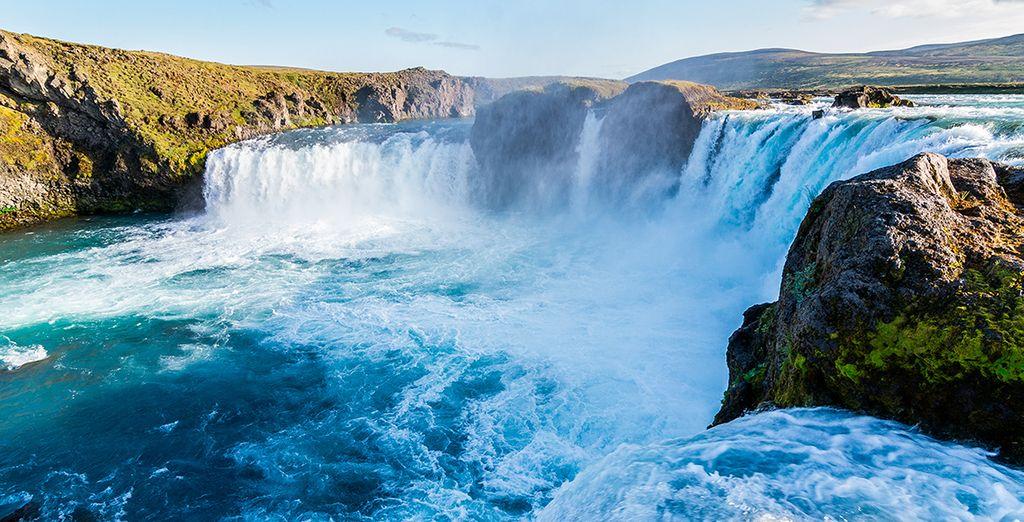 La bellísima cascada de Godafoss