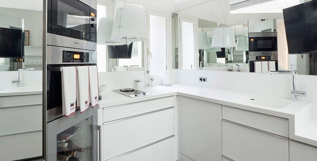 Con una cocina completamente equipada
