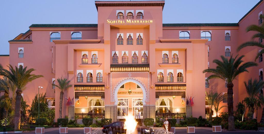 Bienvenido a tu hotel en la Ciudad Roja