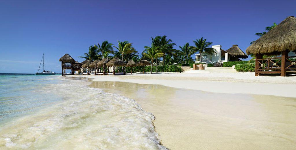 Azul Beach, Gourmet All Inclusive by Karisma 5* se encuentra en una preciosa playa