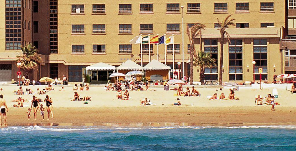 Disfrute de este Hotel Secreto en primera línea de playa
