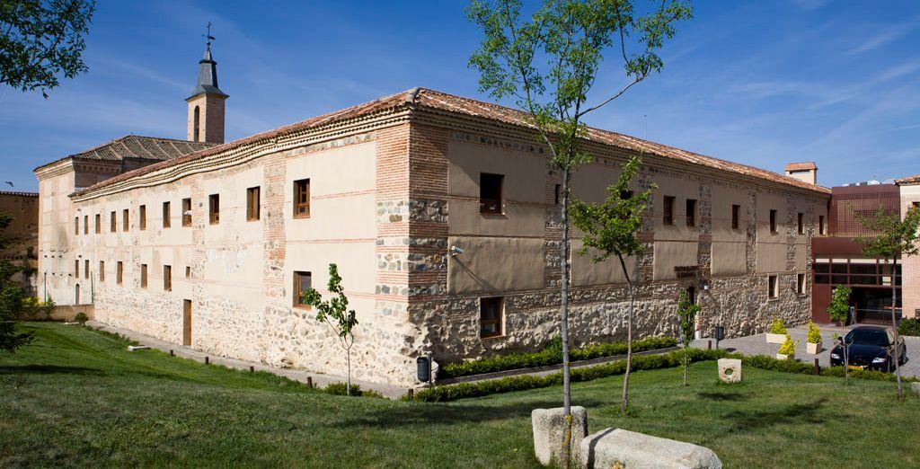 Ubicado en el Monasterio de San Antonio El Real, junto al nacimiento del Acueducto de Segovia
