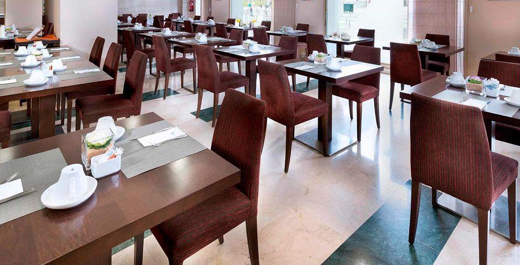 El hotel cuenta con tres salones equipados con la última tecnología, ideales para degustar la gastonomía local