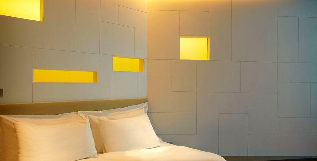 Con paredes con huecos que permiten crear bonitos campos lumínicos