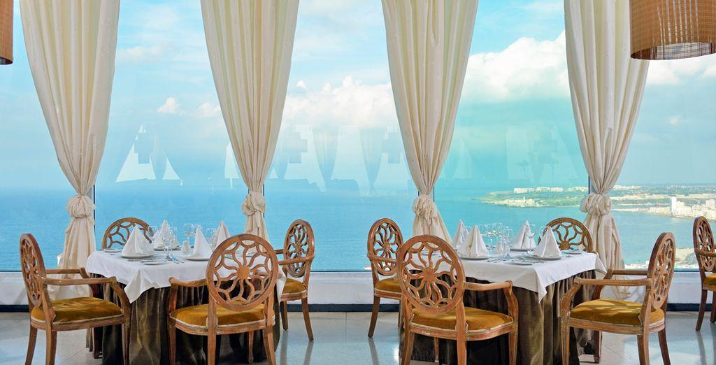 Todo un placer sensorial el comer frente las vistas de la Habana