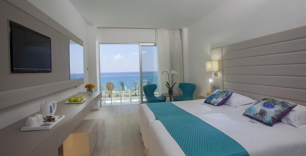 ... o decantate por una habitación Superior con vistas al mar