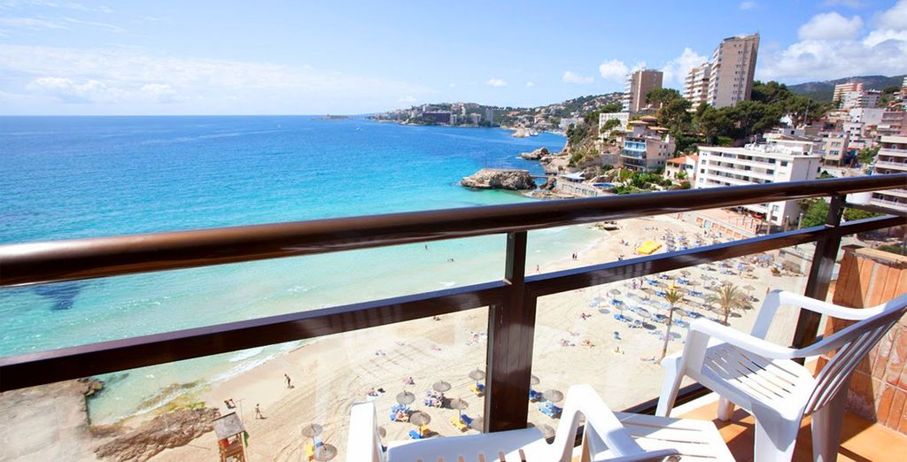 Avec un magnifique panorama sur la Méditerranée
