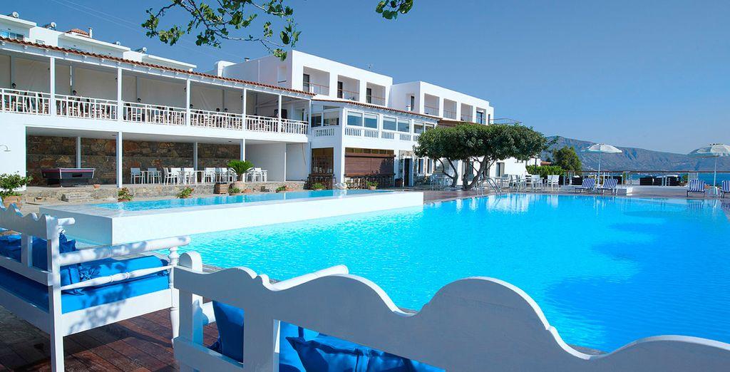 Ressourcez-vous le temps de vacances ensoleillées - Hôtel Elounda Ilion 4* Elounda
