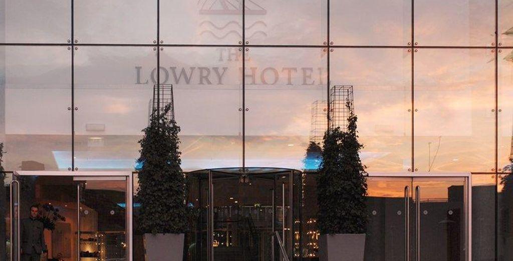 Installez-vous au prestigieux Hôtel Lowry 5*
