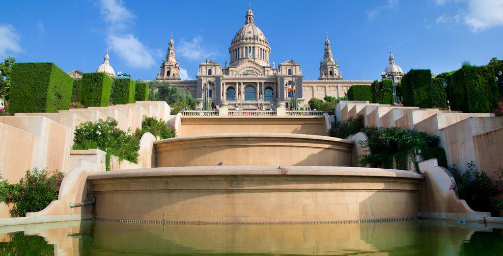 Vous pourrez également visiter Barcelone, le Musée National de Catalogne...