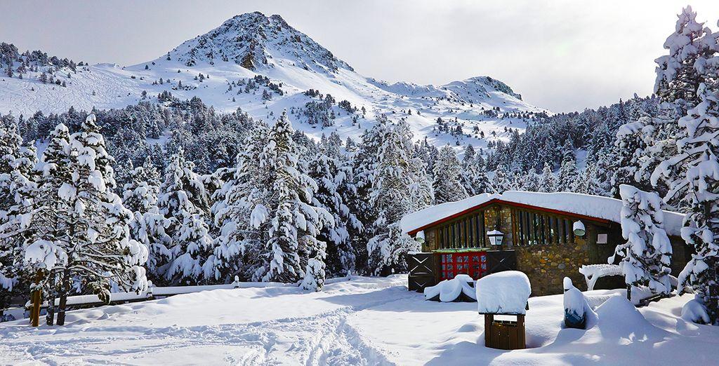 Évadez-vous au cœur du plus grand domaine skiable des Pyrénées