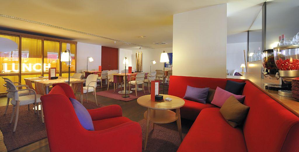 Un espace détente plus casual vous attend à la cafétéria