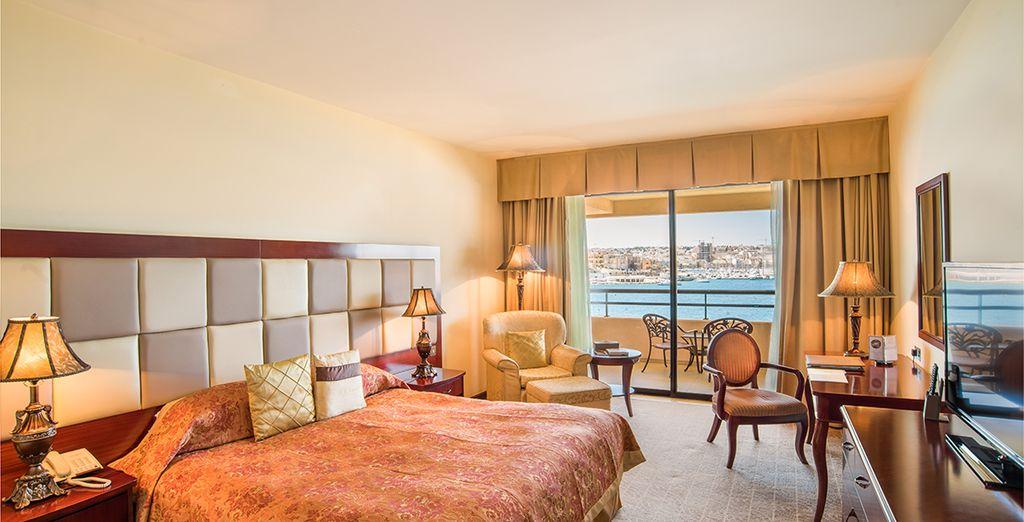 Hôtel de charme avec chambre double tout confort, terrasse privée et vue sur la mer