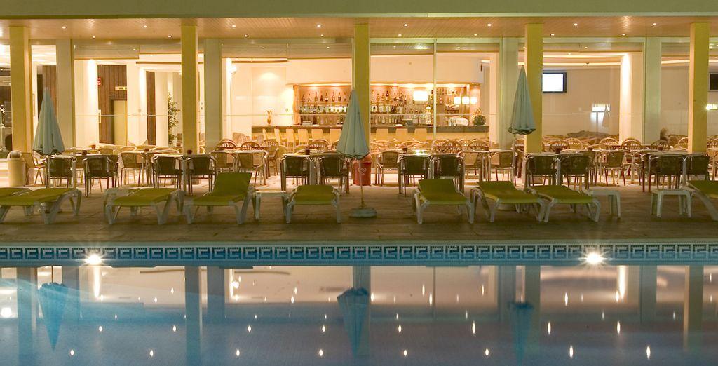Profitez d'une belle piscine & de sa terrasse...