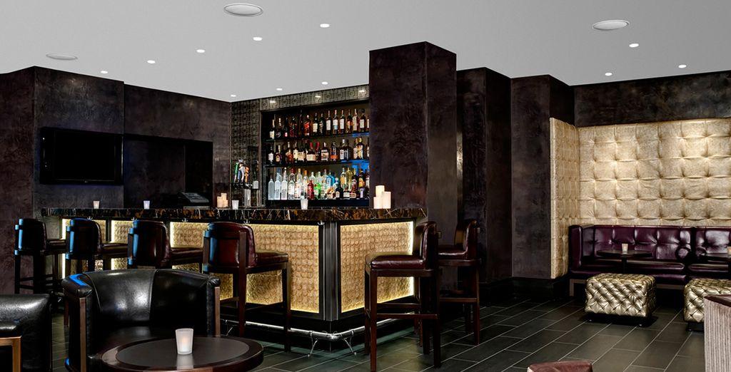 Le Raffles Bar saura vous proposer les boisons de votre choix...