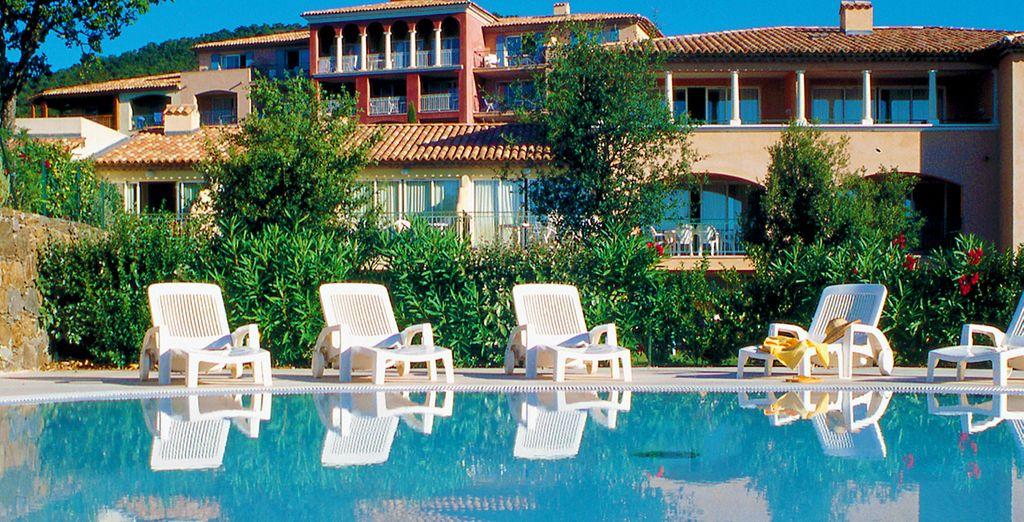 Une fois vos valises posées, plongez dans la piscine !