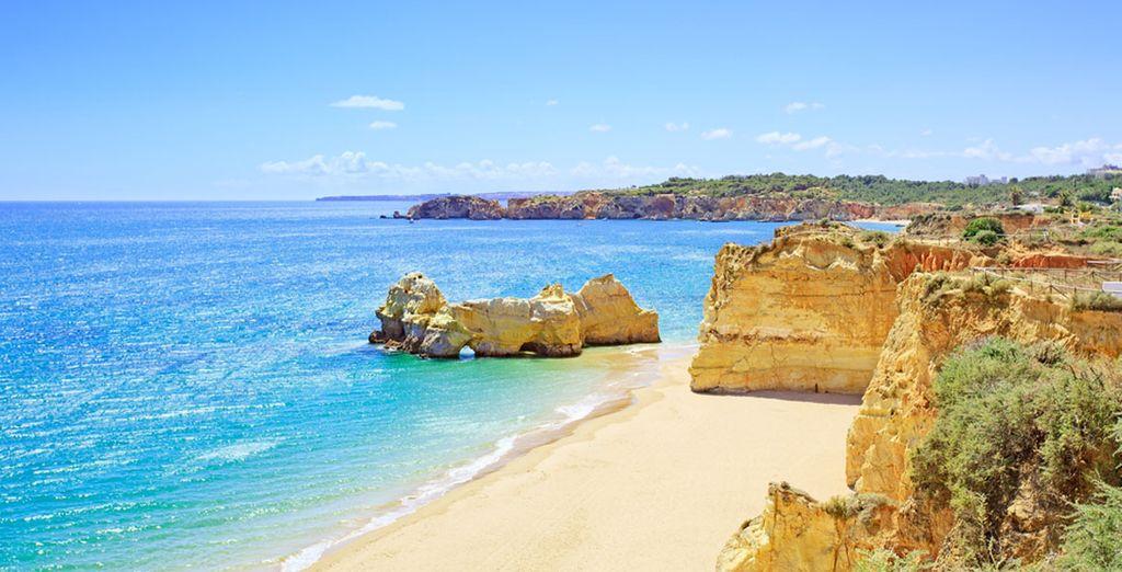 Bienvenue dans la région de l'Algarve avec ses falaises vertigineuses - Cabanas Park 4* Tavira