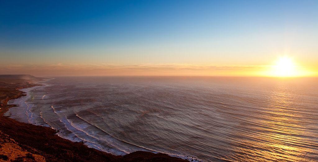 Profitez ensuite de votre proximité avec la plage pour y vivre des moments de détente absolue