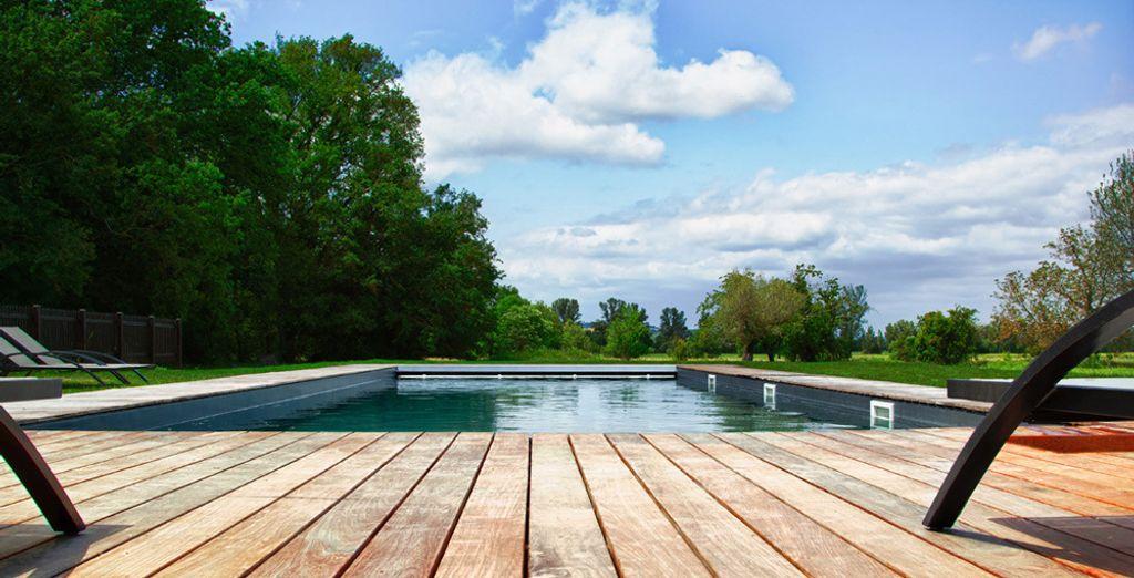Hôtel haut de gamme avec piscine extérieure et espace détente aux alentours de Toulouse