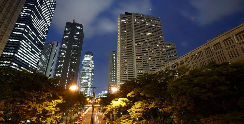 Gratte-ciel du quartier Shinjuku à Tokyo