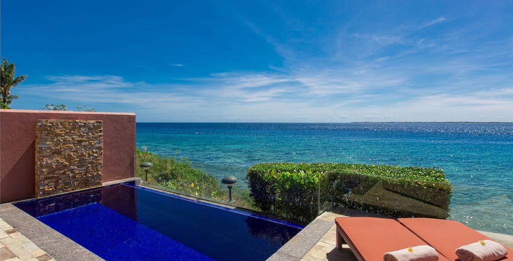 Avec piscine et vue mer...