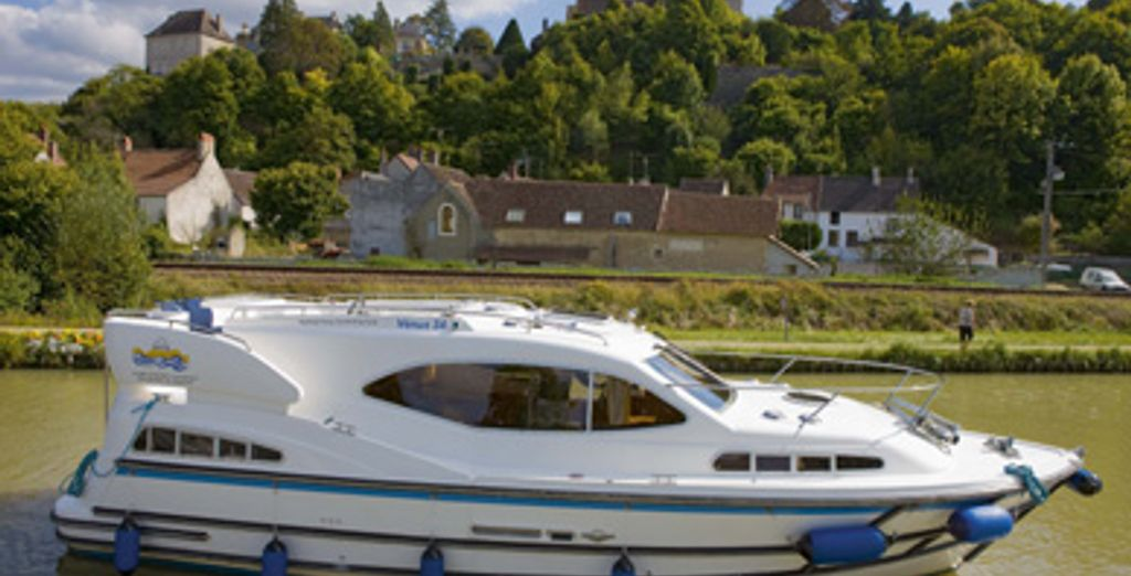 - Croisière fluviale de standing - Capestang ou Vermenton - France Capestang