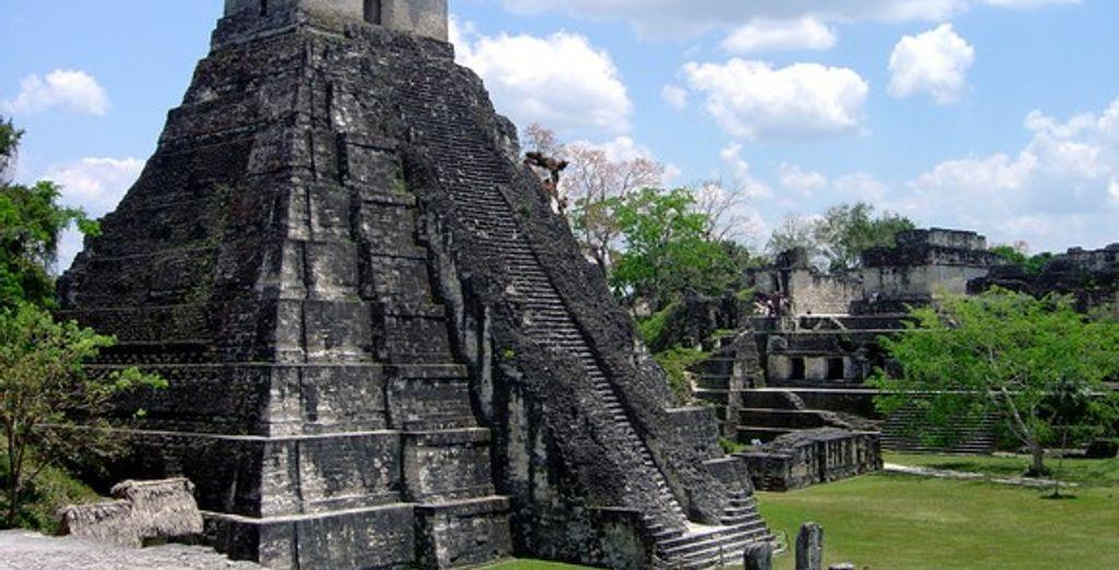 Grand Plaza, Tikal - Circuits Guatemala et Honduras :