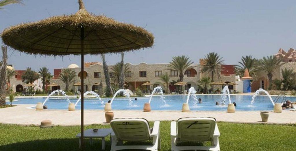 Alangui dans une chaise longue, laissez-vous bercer par la brise marine - Hôtel Club Diana Rimel **** Djerba
