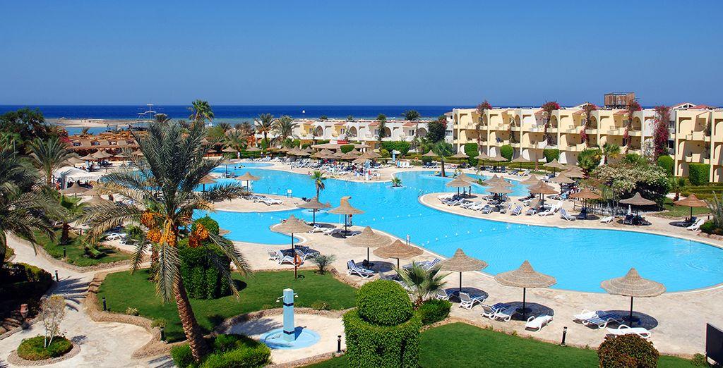Club azur resort 4 voyage priv jusqu 39 70 for Club azur magog piscine