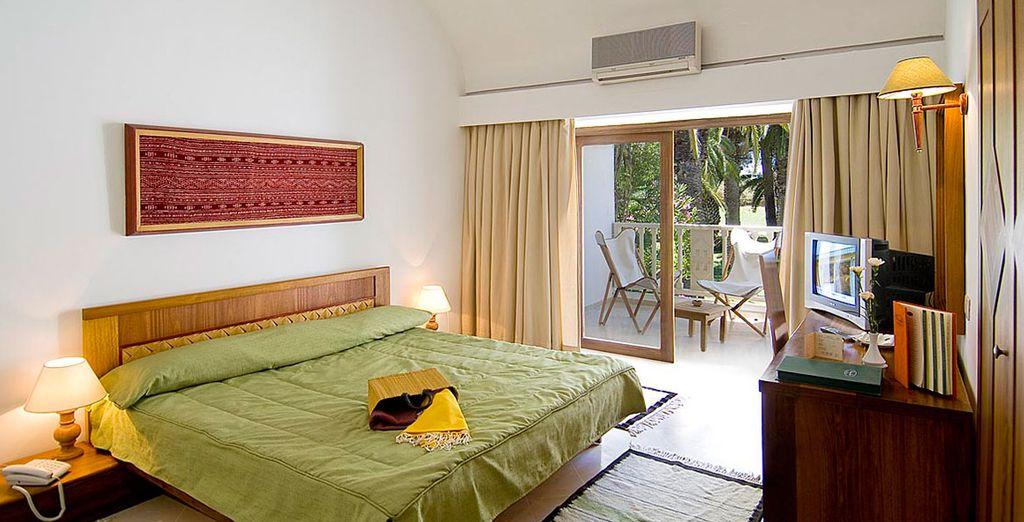 Vous serez accueilli en chambre standard lumineuse et confortable