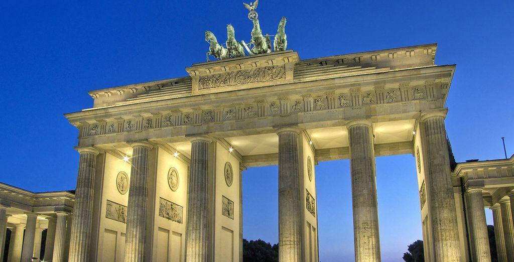 La porte de Brandebourg vous ouvrira le chemin vers Berlin...