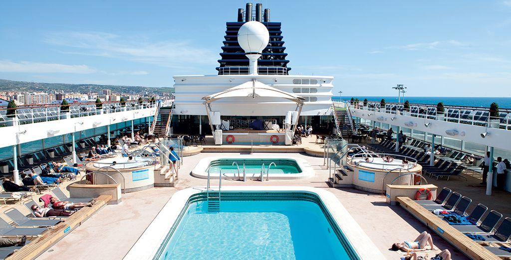 Croisière haut de gamme avec Croisière de France, piscine et spas