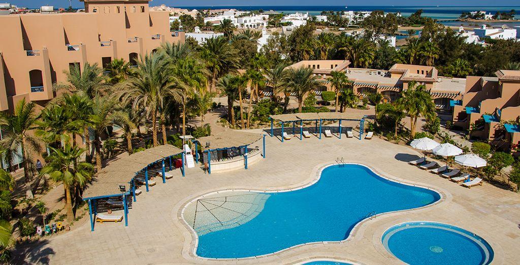 Et découvrez un hôtel idéalement situé en front de mer