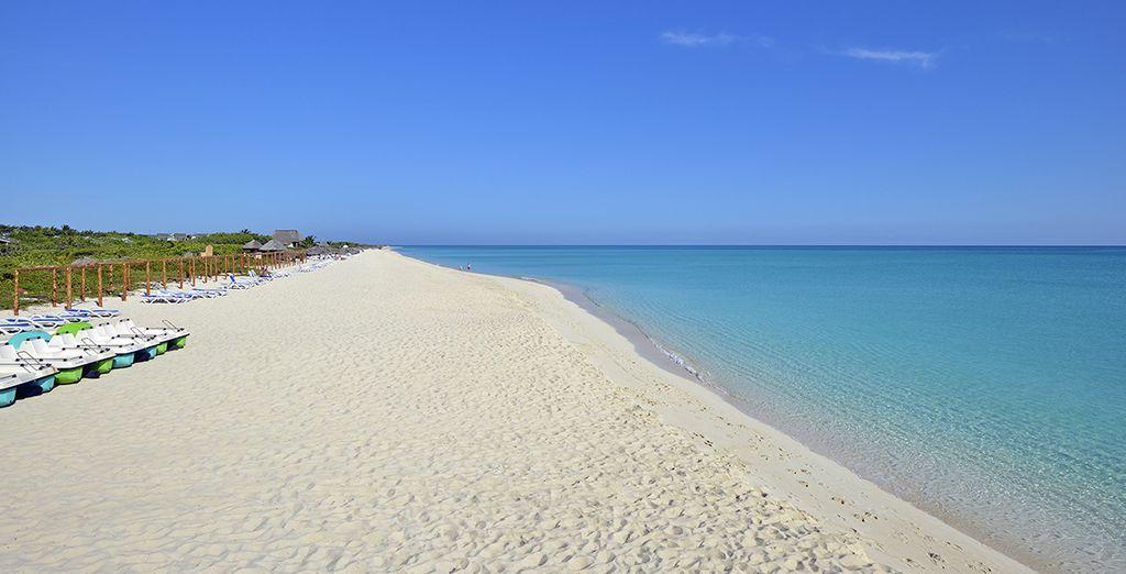 Vous poserez vos valises sur la plage de  Punta Franès le temps d'une escapade balnéaire
