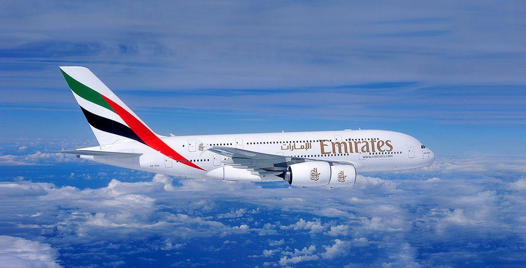 En option, choisissez de voyager en classe affaires avec la compagnie Emirates