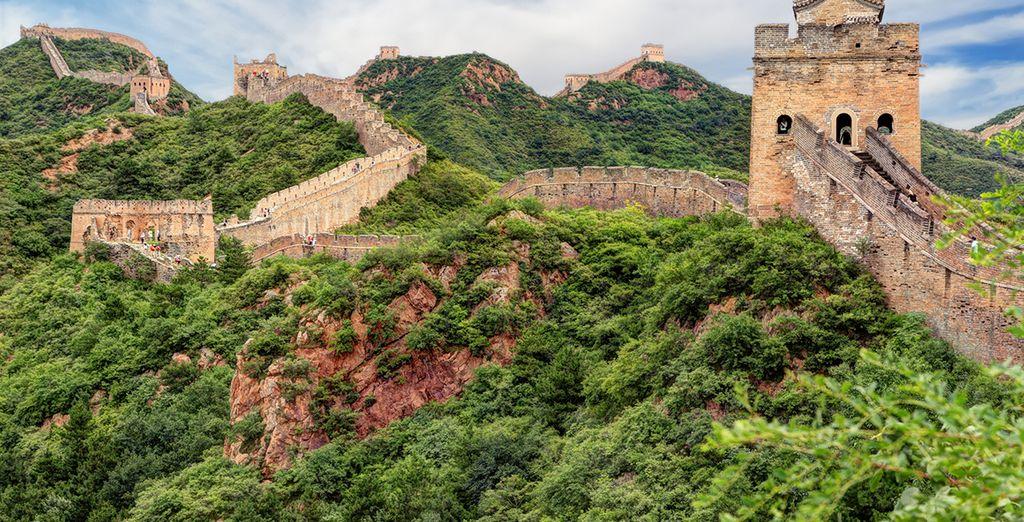 Marchez sur la célèbre muraille de Chine