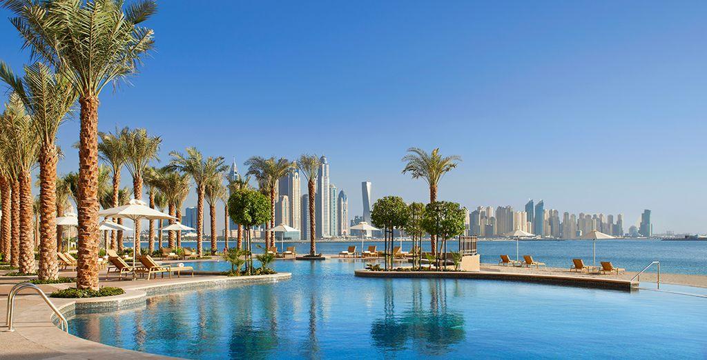 Offrez-vous la démesure de Dubaï les pieds dans l'eau