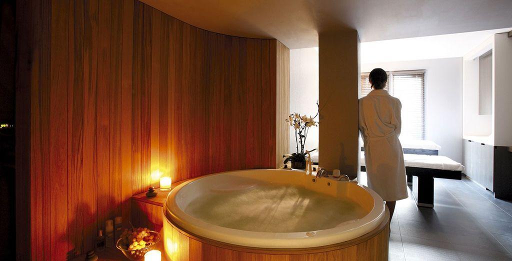 dans un agréable bain à remous