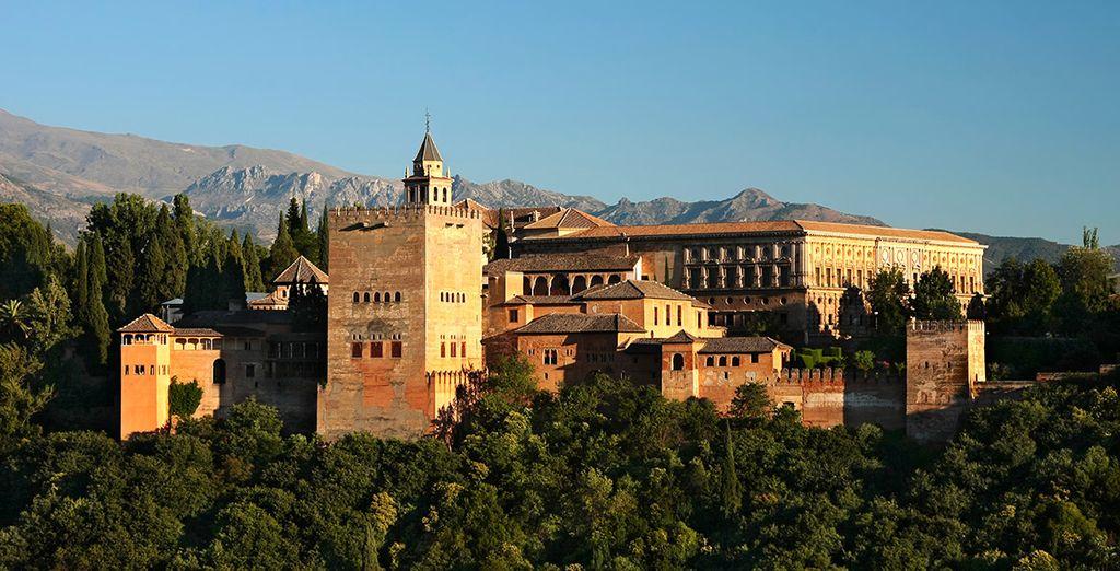 Avant de partir à la découverte de l'Alhambra, un site prestigieux, chargé d'histoire