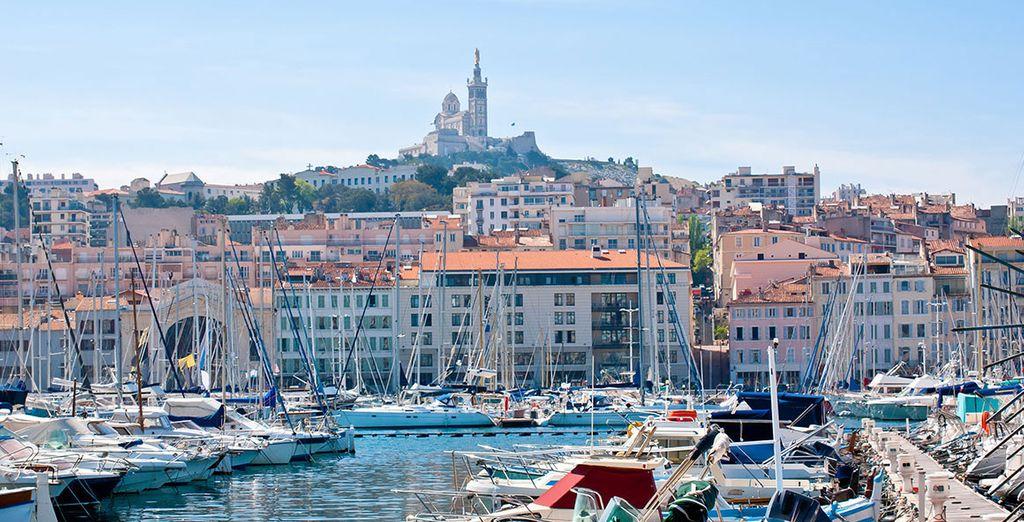 Tout commence ici... À Marseille pour une merveilleuse aventure. De ports en ports, de villes en villes...