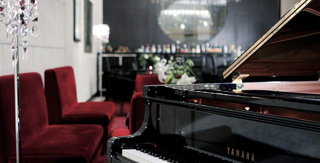 Le soir, passez un agréable moment au piano-bar...