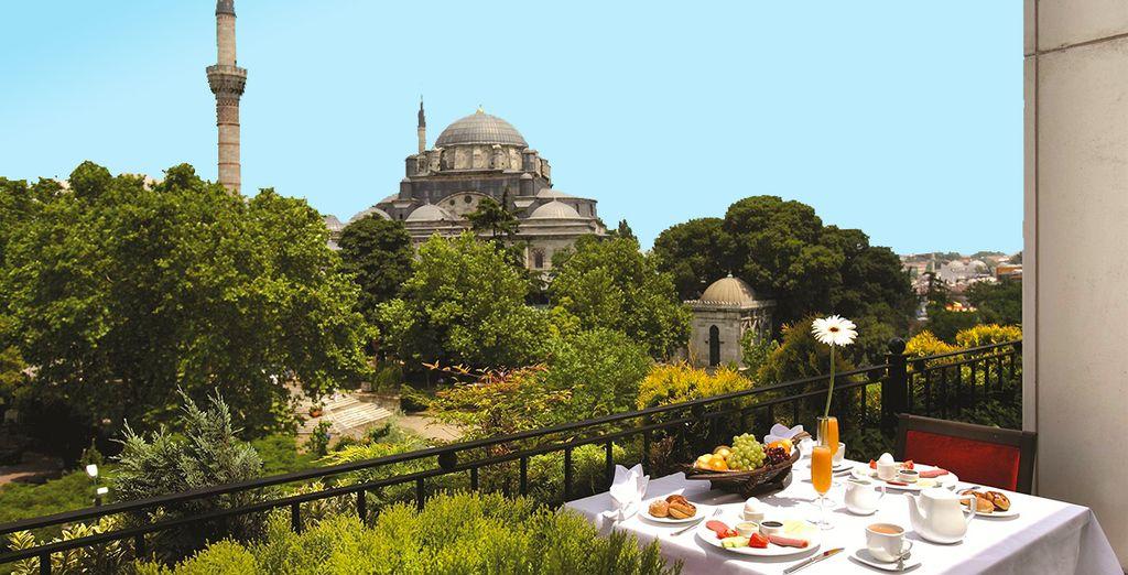 Et profitez d'une vue imprenable sur la mosquée Beyazit