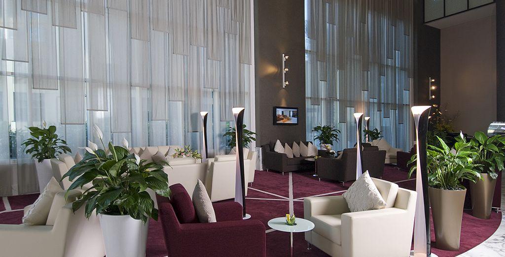 Vous vivrez tout cela depuis votre hôtel Grand Millenium Al Wahda 5*