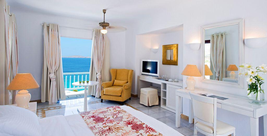 Entre l'atmosphère romantique de votre chambre Deluxe vue mer...