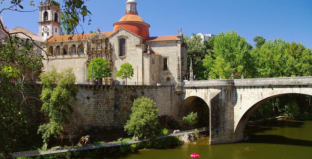 Au centre de cette charmante ville typique, vous passerez un séjour des plus romantiques