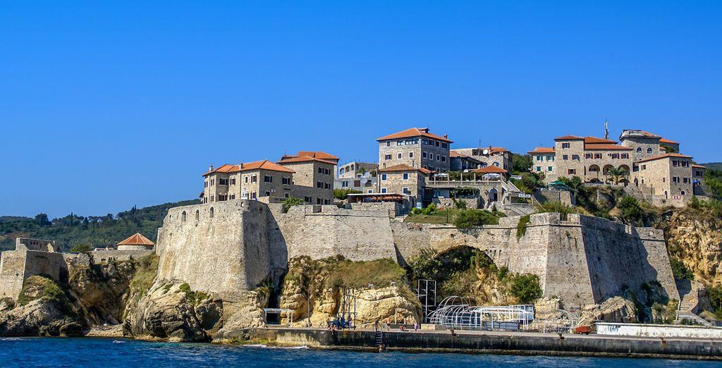 Sans manquer de partir explorer les environs comme la cité d'Ulcinj