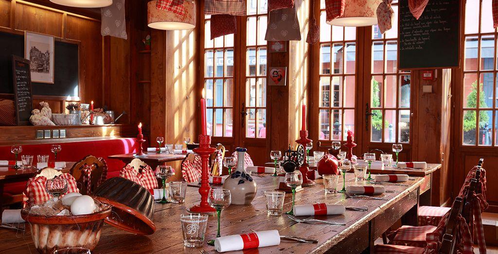 Vous préférez le charme de l'Alsace, profitez de la Winstub Alsacienne pour vos repas !