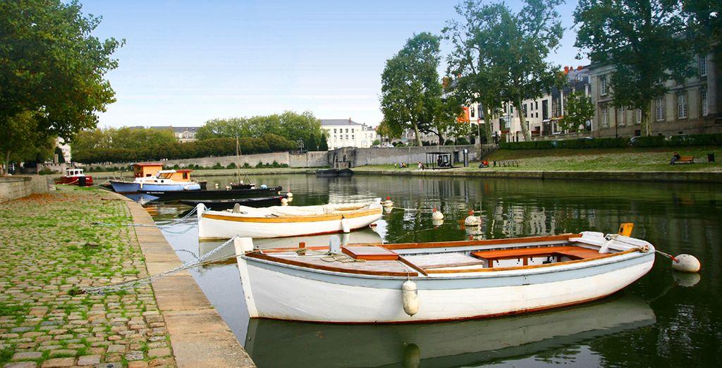 Quartier de Nantes et promenade à bateau sur les canaux